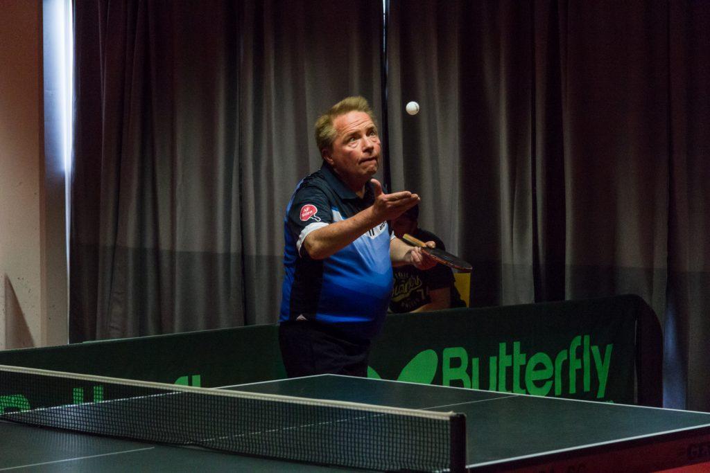 Martin Svendsen spiller selv til daglig blandt hørende i BTK AF-SORØ, som vi meget venligt kunne låne hallen af.
